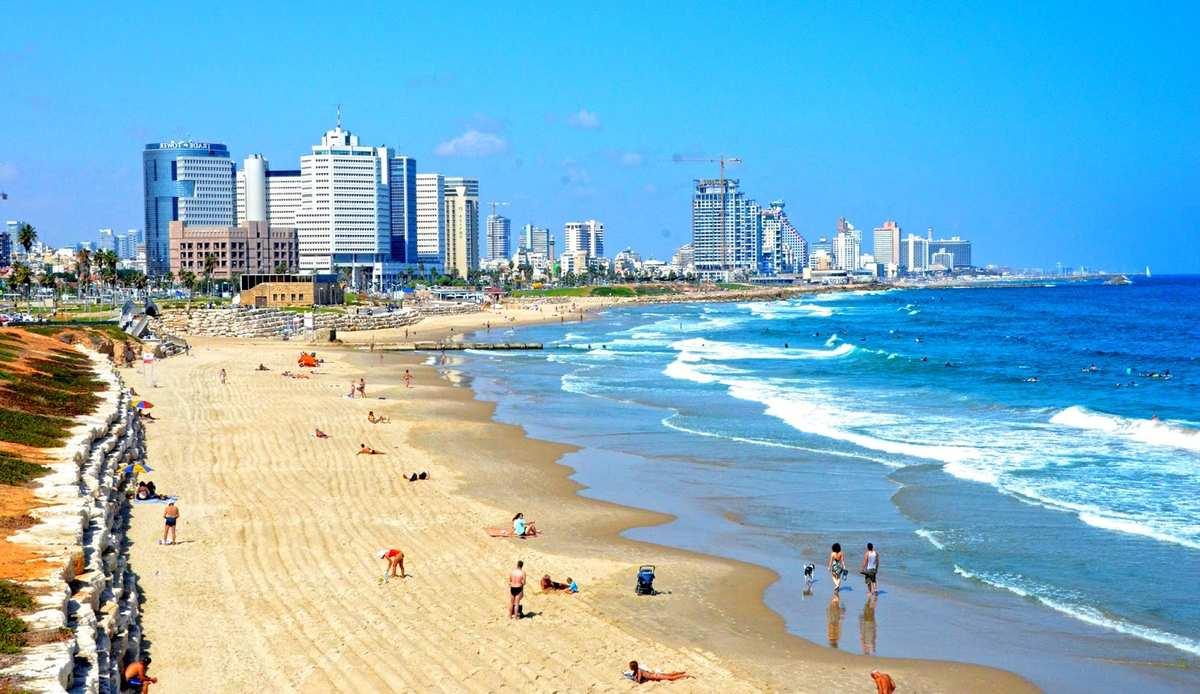 На всех пляжах страны фото